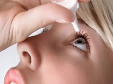 Image - Correct installation of eye drops